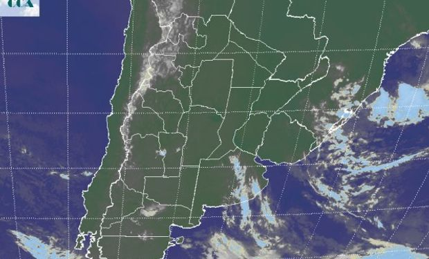 La foto satelital presenta un escenario acorte a la presencia de un eje de altas presiones en la atmósfera media.