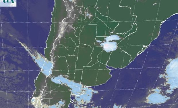 La foto satelital destaca las tormentas que cubren el sudoeste correntino y que marginalmente se extienden a las vecindades de corrientes y el norte entrerriano.