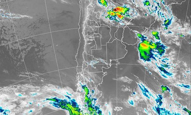 En el recorte de la imagen Satelital puede apreciarse como en la franja central del país se ha instalado un sistema de alta presión.
