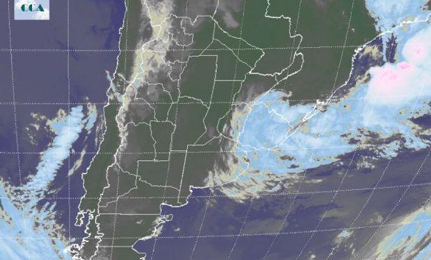 Cielos despejados en la mayor parte del territorio nacional respondiendo a una atmosfera dominada por altas presiones que confieren condiciones de tiempo estable.