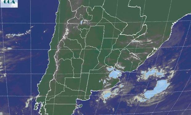 Puede apreciarse algo de nubosidad sobre el noreste de BA.