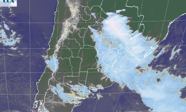 La imagen satelital permite ordenar la situación meteorológica actual.
