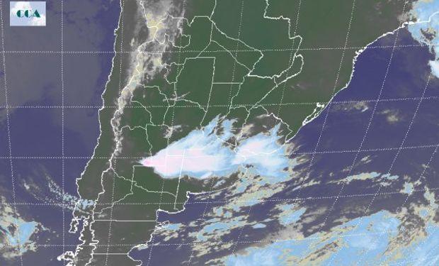 Sistemas nubosos están instalado en una región que abarca el norte de la Provincia de Buenos Aires y sur de Santa Fe, Córdoba y Entre Ríos.