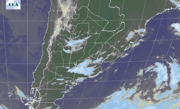 Nubosidad está instalada en la región de Cuyo, noroeste de Córdoba y Provincia de Buenos Aires en su sector centro-oeste.