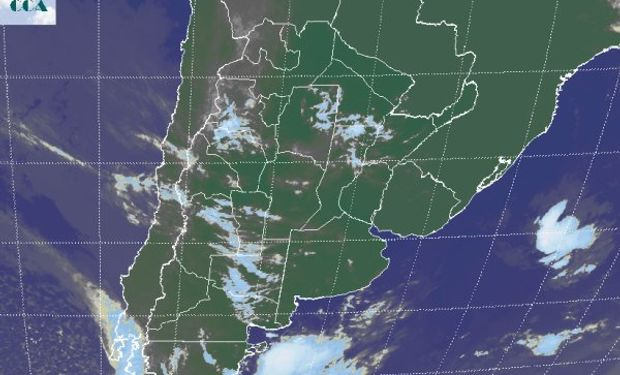 La foto satelital aun muestra un vasto predominio de cielos escasamente cubiertos.