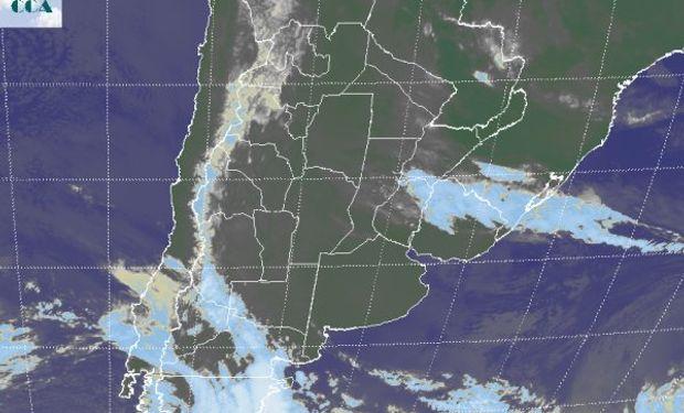Coberturas de nubes bajas toman zonas del este de Córdoba, buena parte de Santa Fe, el este del NEA y vastos sectores de Entre Ríos y Corrientes.
