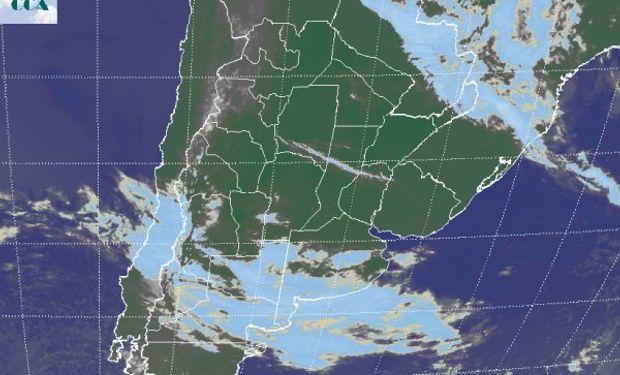 La imagen de satélite es muy clara a la hora de evidenciar el efecto del acercamiento del sistema frontal.