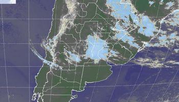 Lloviznas y lluvias débiles sobre regiones de centro