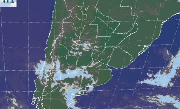 La foto satelital muestra algunas nubes de mayor desarrollo en el sur de la zona mediterránea, sin que las mismas se perfilen con demasiado potencial pluvial.