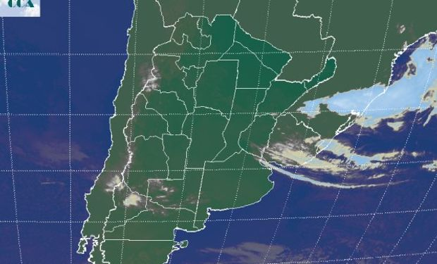 La foto satelital muestra una situación donde se generalizan los cielos despejados.