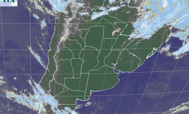 La foto satelital define un panorama donde dominan los cielos despejados.