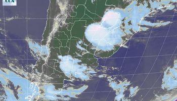 Ocasionales lloviznas y desarrollo puntual de tormentas