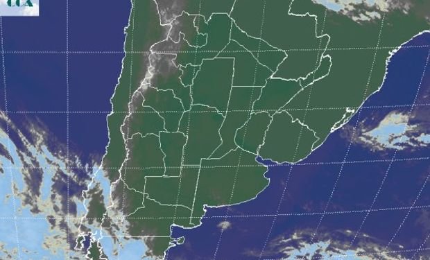 En la foto satelital se aprecia la continuidad de lo que se observaba en la jornada de ayer, con un vasto predominio de cielos despejados.