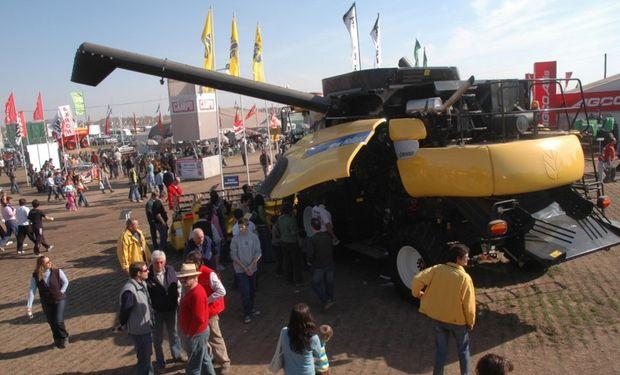 En el stand de New Holland los visitantes se encontrarán con nuevos lanzamientos en materia de tractores y cosechadoras. Foto: AgroActiva.