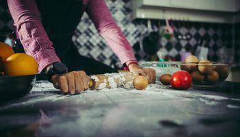 Se cocina más en casa y hay empresas de consumo que la rompen en la cuarentena