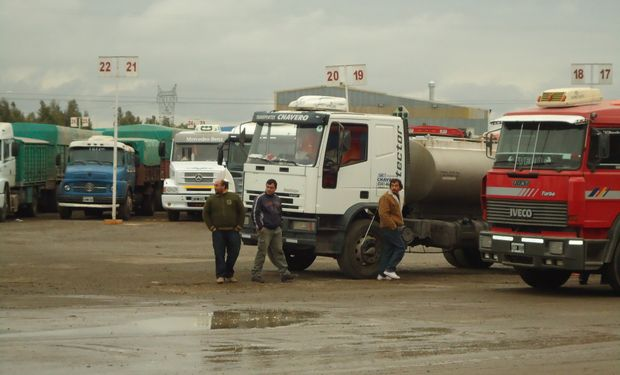 """En 2010 las autoridades de la BCR intentaron relanzar """"Plan Circunvalar Rosario"""" para poner fin al creciente tráfico de camiones. Pero no tuvieron suerte. Foto: Valor Soja."""