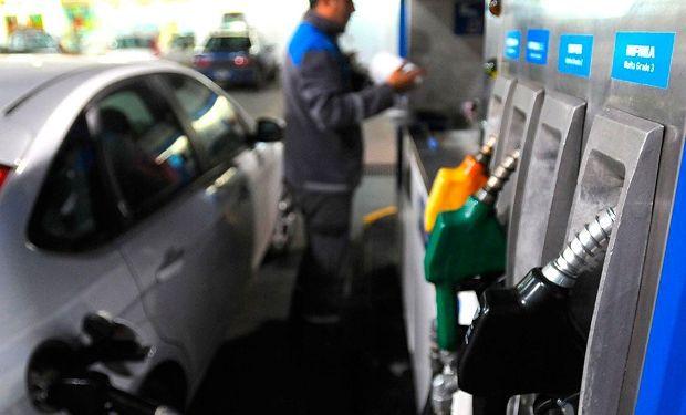 Hasta el momento las petroleras no trasladaron el aumento a precio final.
