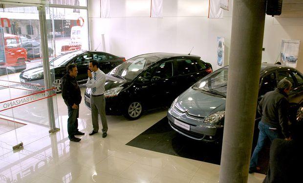 El alza de impuestos afectará en 2014 a casi el 70% de los autos que se venden en el país