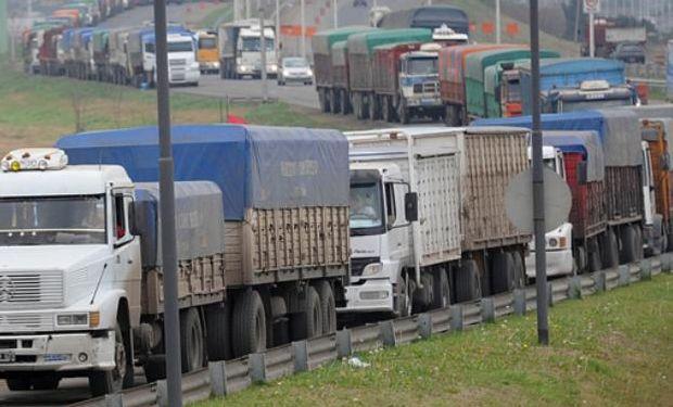 Entre marzo y mayo arribarán a las terminales ubicadas sobre el río Paraná alrededor de 7,6 millones de toneladas, un 27% más que lo registrado el año pasado.