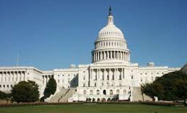 Congreso de EEUU trabaja con urgencia para poner fin a disputa fiscal