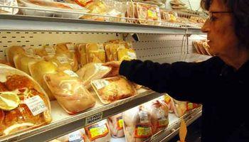 Por la suba en el precio de la carne, aumenta el consumo de pollo y cerdo