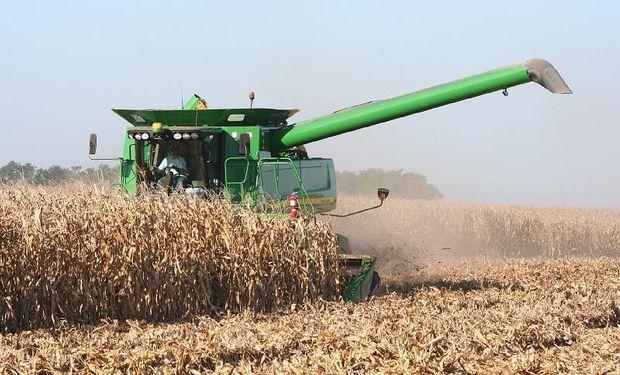 """""""En cosechadoras el mercado cayó porque el contratista no tiene rentabilidad y no puede pagar cuotas tan altas de las máquinas"""", contaron en una empresa."""