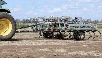 Electrocución, destrucción de semillas y labranza dirigida: maquinarias innovadoras para combatir malezas