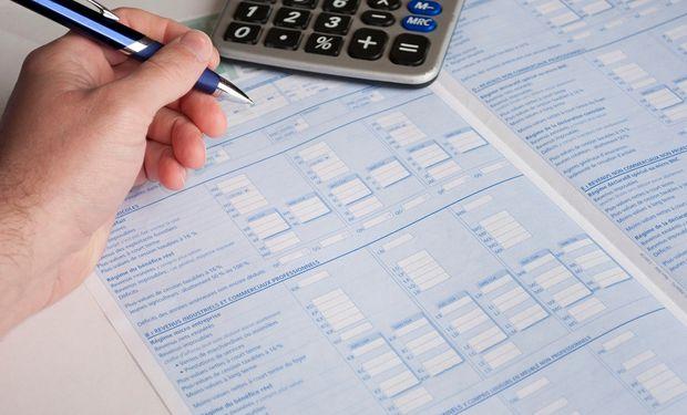 Según el Artículo 169 del Código Fiscal son contribuyentes del impuesto Inmobiliario los titulares de dominio, los usufructuarios y los poseedores a título de dueño.