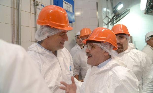 Etchevehere visitó un frigorífico modelo bonaerense.