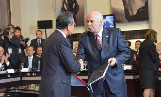 La firma de convenios tiende a fortalecer la alianza estratégica binacional y el comercio bilateral.