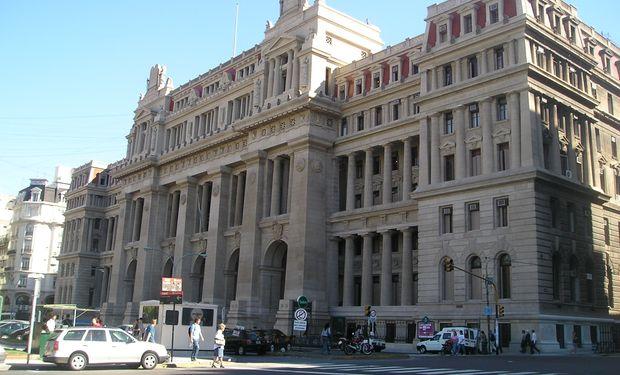 Justicia Argentina suspende aplicación de artículo clave en ley mercado de capitales