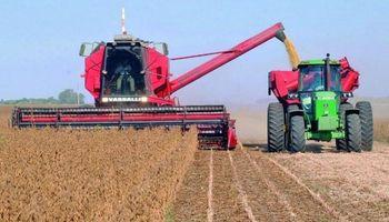 Las ventas de cosechadoras y tractores cayeron en 2020, mientras que la producción de maquinaria agrícola creció