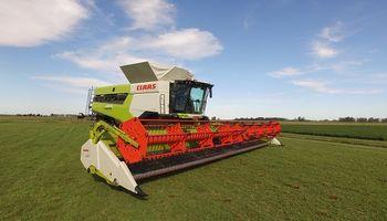 Las cosechadoras más potentes del mundo llegaron a la Argentina