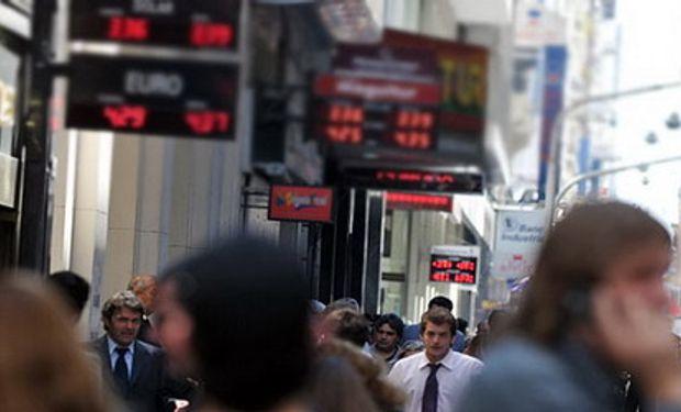 El dólar sumó 3 centavos en la semana y el 'blue-blue' sigue a $ 9,30