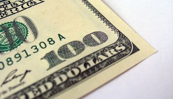 Dólar oficial cotizó estable a $ 8,02
