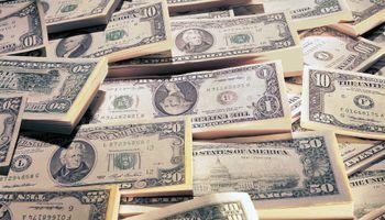 El dólar blue pierde 2 centavos y se vende a $ 13,58