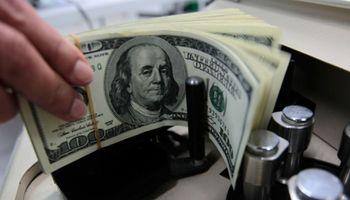 El dólar blue muestra un leve retroceso y se vende a $ 12,82