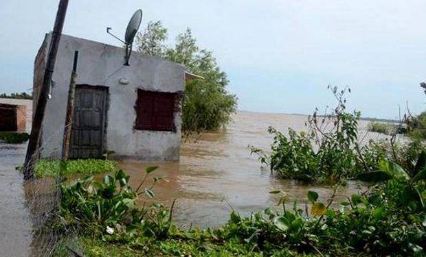 Ríos del Litoral siguen creciendo: 7 mil evacuados en 5 provincias