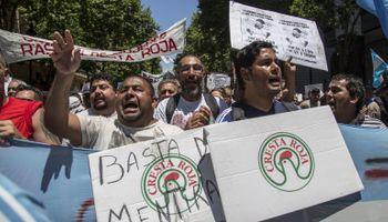 Trabajadores de Cresta Roja realizaron una asamblea para debatir como siguen