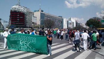 Cresta Roja: se movilizaron trabajadores de la avícola intervenida