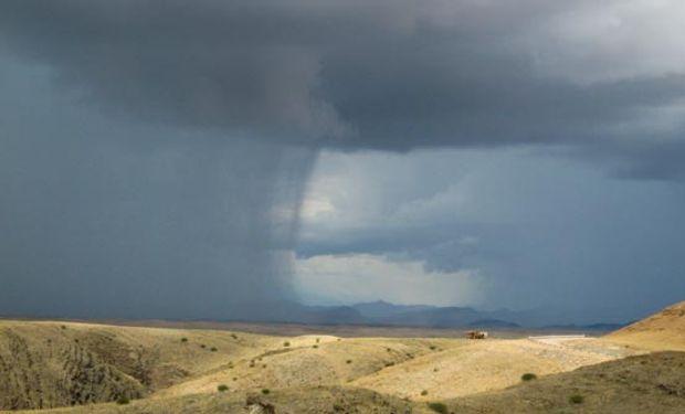 La importancia de retener el agua de lluvia.