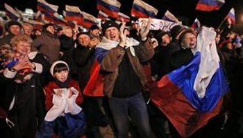 Crece la tensión: aplastante sí de Crimea a la unión con la Rusia