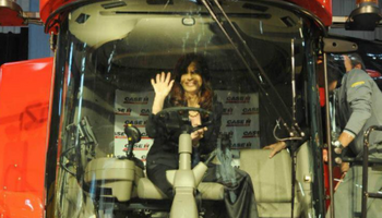 """Cristina Kirchner elogió una """"reveladora investigación"""" contra el campo"""