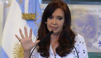 En cadena nacional, la presidenta reconoció el error cometido con la 125