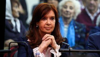 Ahora Cristina Kirchner bromeó sobre la rotura de silo bolsas y vuelve a tensar la relación con el campo