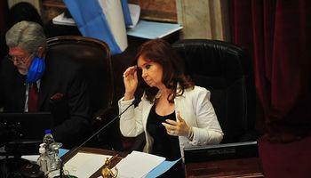 """Para Cristina Kirchner la """"economía bimonetaria"""" es el problema """"más grave"""" de Argentina: su explicación"""