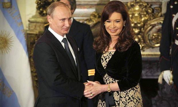 Putin y Cristina Kirchner, cuando el presidente ruso visitó la Argentina. Foto: Archivo La Nación