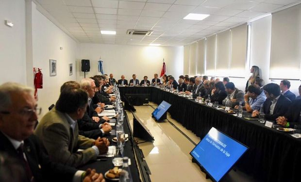 Los derechos de exportación fueron uno de los temas centrales del primer encuentro de la Mesa de la Soja que encabezó Macri.