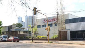 La láctea canadiense que invirtió en Argentina y ya pelea con La Serenísima