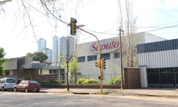 En sus plantas de Rafaela y Tío Pujio, Saputo produce, comercializa y distribuye una gran variedad de quesos, manteca y crema.